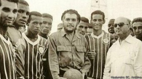 che with brazilians footballers in havana
