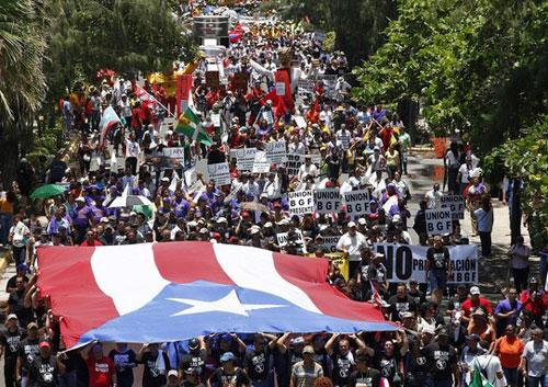 puerto ricans demonstrate