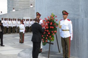 St Kitts PM Dougas lays wreath at Jose Marti's statute