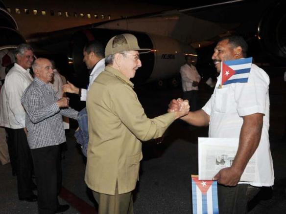 raul bids farewell to cuban doctors leaving for west africa oct 24 2014