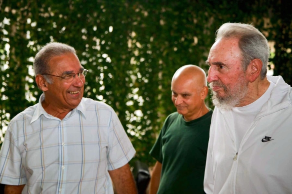 Image: Cuban former President Fidel Castro visits National Center of Scientific Research
