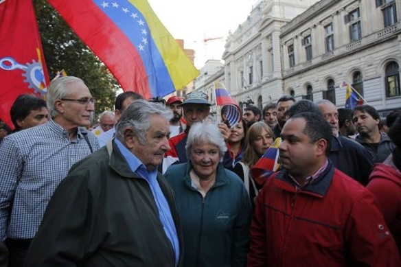 mujica leads march in support of venezuela 2