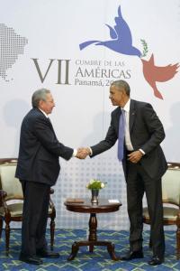 raul y obama panama 2015 1
