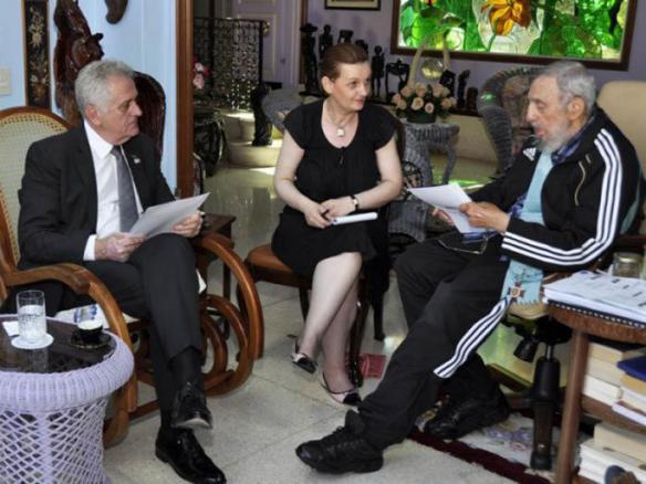 Fidel y tomislav nikolic serbian president 1