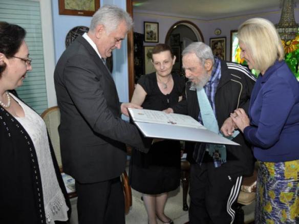 Fidel y tomislav nikolic serbian president 4