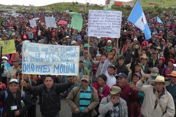 guatemalans demonstrate against president perez