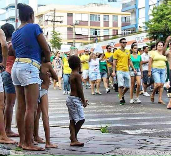 brazil whites march blacks watch.jpg