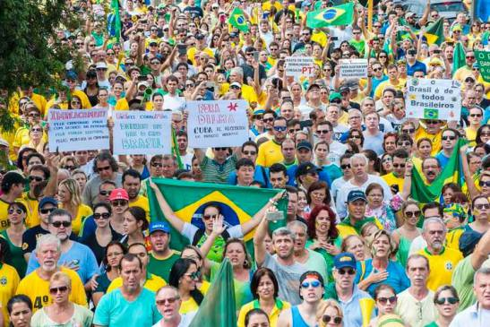 brazilian protest of the rich.jpg