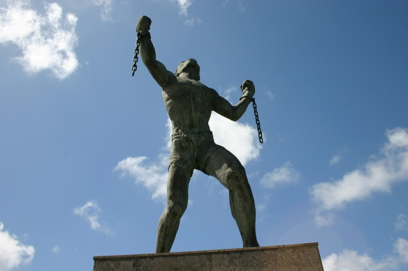 bussa statue 3.jpg