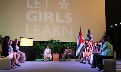 michelle obama with cuban students.jpg