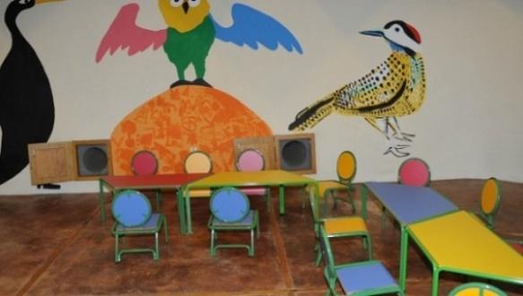 school from scrap in uruguay.jpg