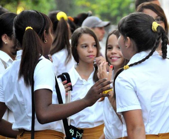 cuban teenage girls 2016.jpg