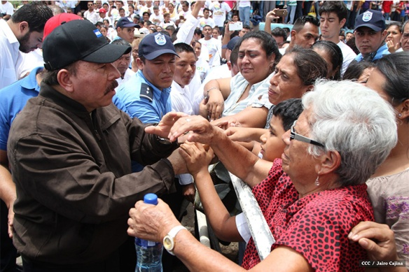 daniel ortega with the people.JPG