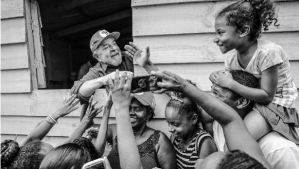 lula caravan of hope 2.jpg