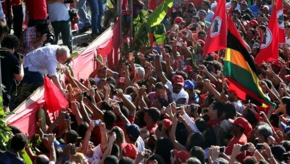 lula caravan of hope 3.jpg