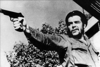 che during target practice.jpg