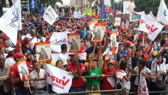 venezuelans gather for October revolution 100th.png