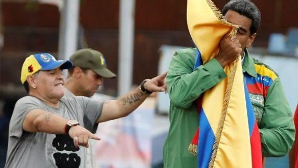 Diego Maradona y Nicolas may 2018.jpg