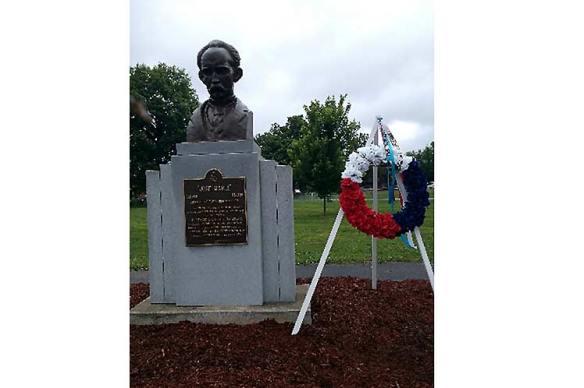 jose marti statue in kentucky.jpg