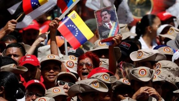 supporters of maduro rally in the streets august 6